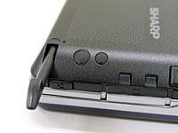 좌측면(옆화면 표시시)의 키측 보디에, stylus를 수납.그 아래에 있는 버튼으로, 화면 표시의 종횡을 바꾼다