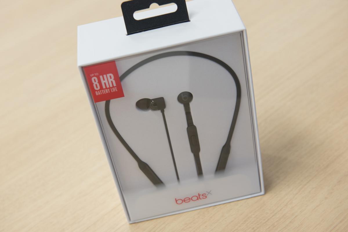「BeatsX」のパッケージ