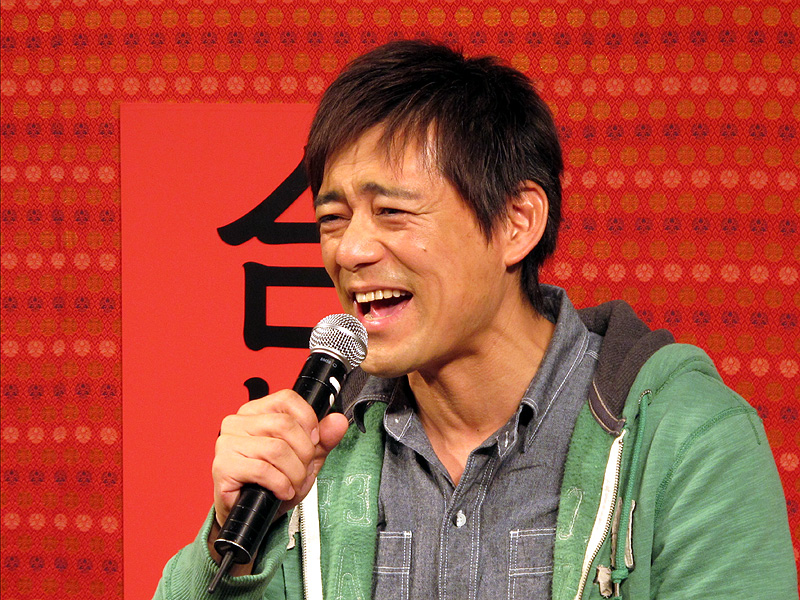 http://k-tai.impress.co.jp/img/ktw/docs/419/943/au07.jpg